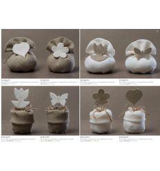 Sacchetto in juta beige con applicazione cuore bianco (091506-F)
