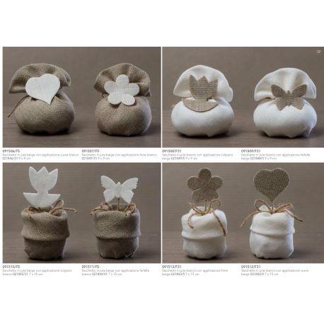 Sacchetto in juta bianca con risvolto con applicazione fiorellino beige (091513-F)