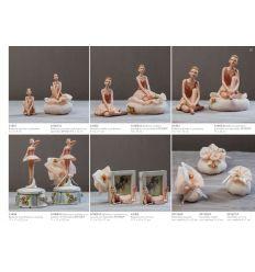 ballerina piccola in poliresina con sacchetto di retina e fiorellini (A1401-A)