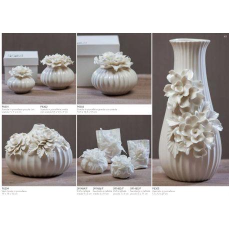 Scatola grande in porcellana con fiore sul coperchio con astuccio linea Ortensia (P8303)