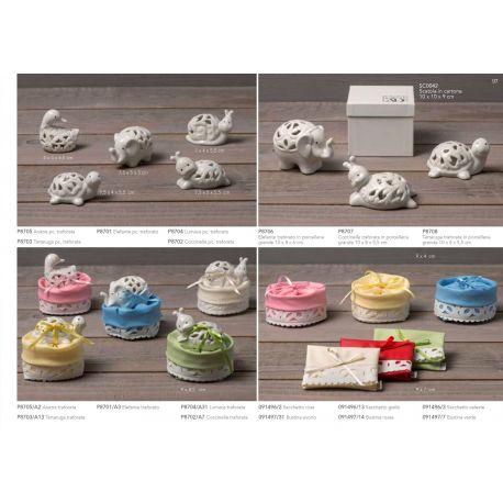 Coccinella piccola in porcellana traforata con sacchettino portaconfetti linea Cuccioli (P8702-A)