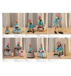Pinocchio piccolo in poliresina con cordino linea Cuore di Legno (V9301)
